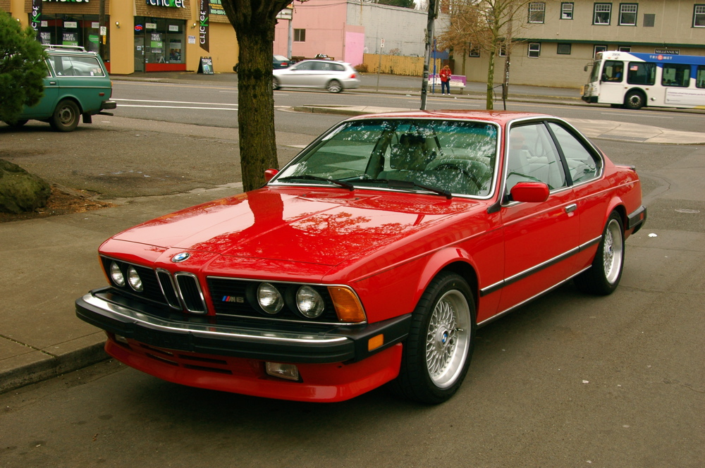 OLD PARKED CARS 1987 BMW M6