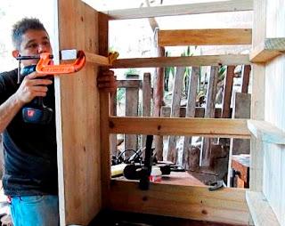 Colocación correderas de madera para gavetas