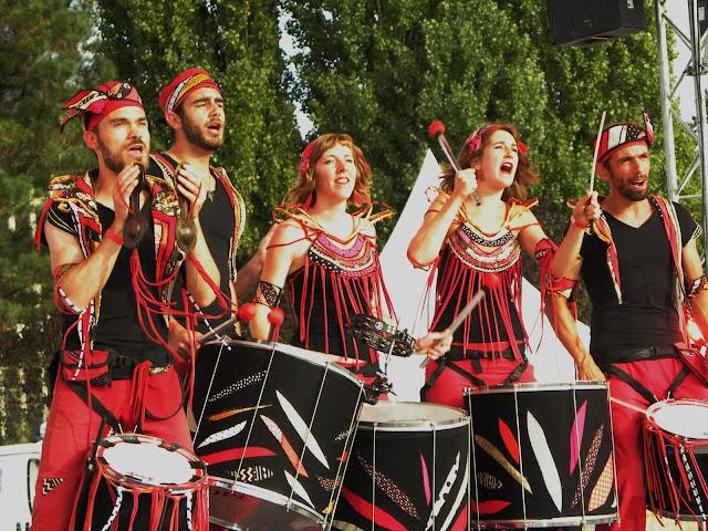 La fanfare Samba Baladi sur scène au festival The City Trucks (septembre 2016), Maine-et-Loire (Pays de loire)