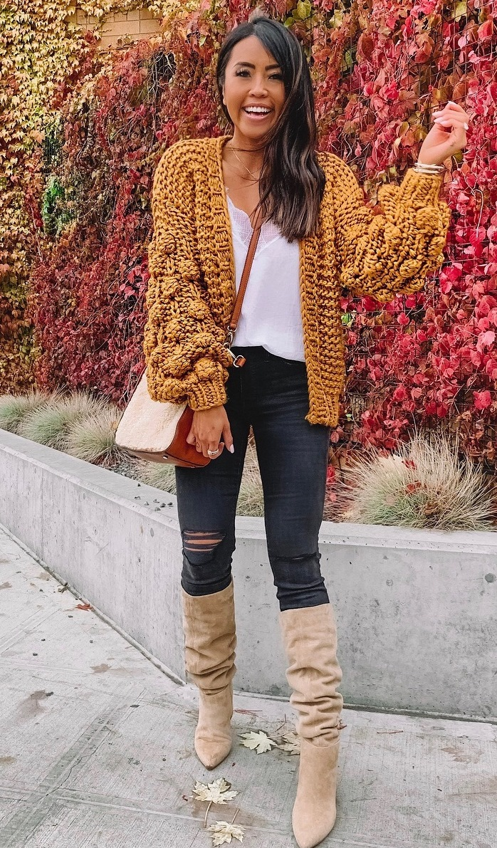 winter style / knit catdi + bag + white top + rips + over knee boots