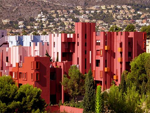 la muralla roja de bofill cumple 40 a os atalayando calpe. Black Bedroom Furniture Sets. Home Design Ideas