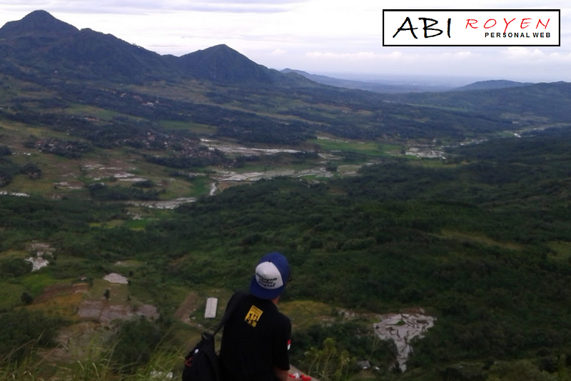 Tempat%2Bwisata%2Bdi%2BLembang%2BBandung%2BGunung%2BBatu 26 Tempat Wisata di Lembang Bandung yang Paling Wajib Dikunjungi