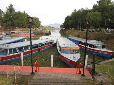 Muelle de San Pedrito en el Lago de Pátzcuaro, Michoacán
