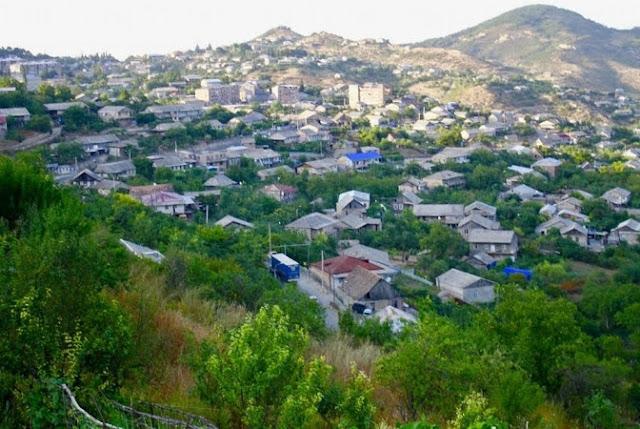 Azerbaiyan dispara contra posiciones armenias en Tavush