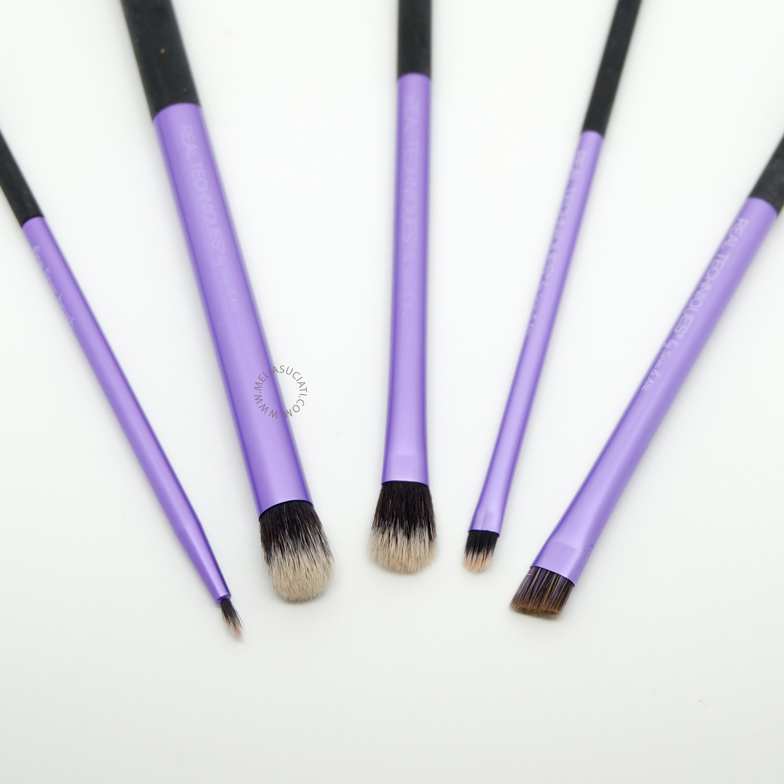 Review Real Techniques Starter Set Eyes Brush by Sam and Nic