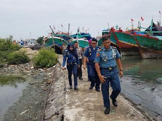 Danlanal Tegal Inspeksi Mendadak Kapal Nelayan di Pelabuhan Umum Kota Tegal