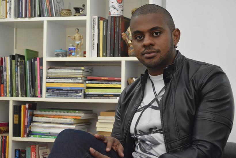 Gato, inteligente e engajado, o carioca João Junior é o novo colunista do Gay1