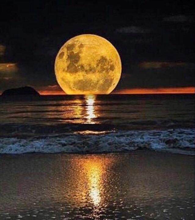 اجمل خلفيات و صور للقمر Moon 2019 2