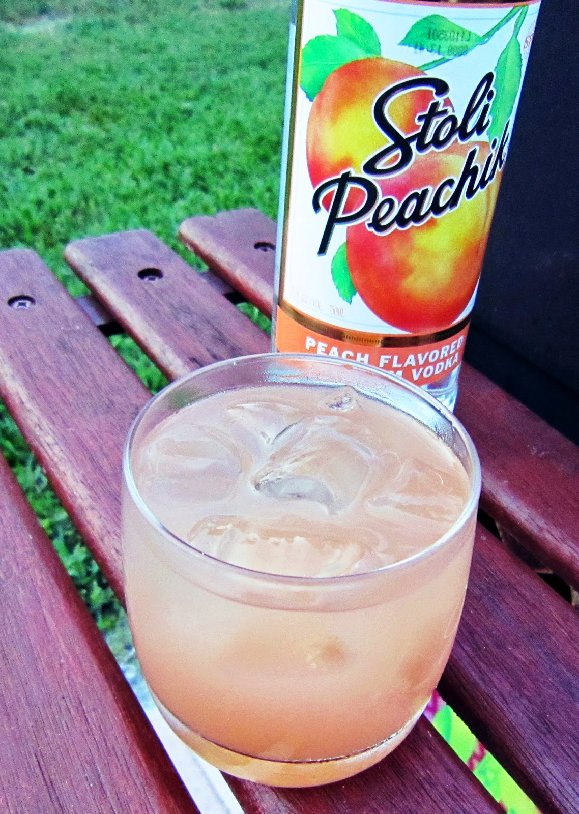 Stoli Peach Vodka Seabreeze