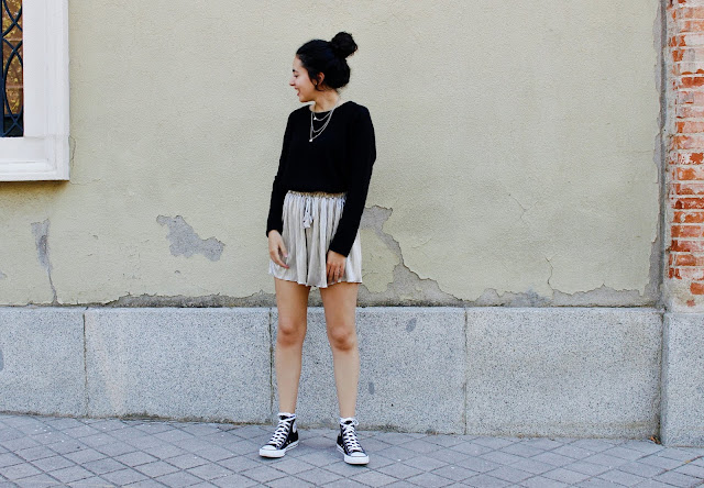 GOLDEN SHORTS OUTFIT Falling for A