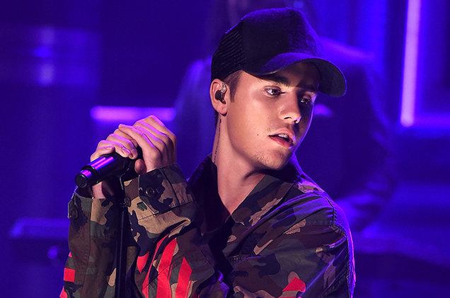 Justin Bieber es criticado por hacer playback en el V Festival