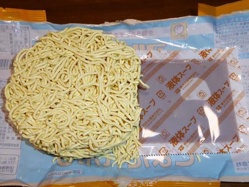 マルちゃん 正麺(せいめん) ごまだれ冷し 液体スープと麺