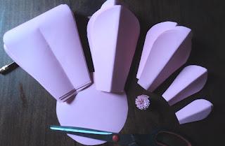 Piezas recortadas para Flores Gigantes en Cartulina rosa