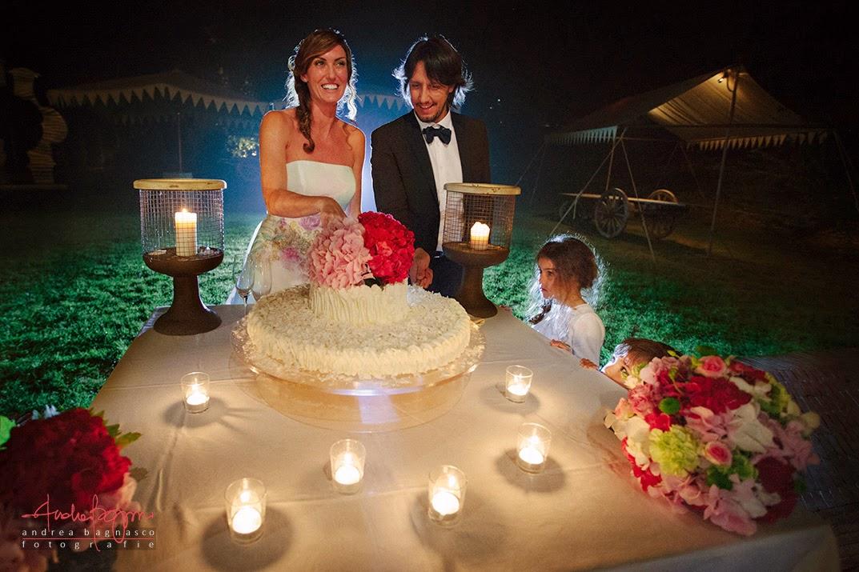 taglio della torta matrimonio Villa Sparina Gavi