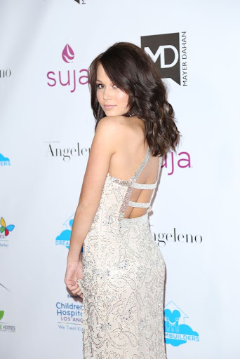 Kelli Berglund Red Carpet Dresses A Brighter Future For Children Gala