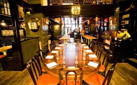 Restaurante The Breslin em Nova York