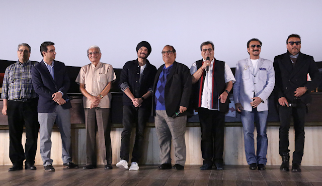 (L-R) Rahul Puri (MD of Mukta Arts), Mr. Vidhani (Owner of New Excelsior Cinema), Anil Kapoor, Satish Kaushik, Subhash Ghai, Gulshan Grover and Jackie Shroff