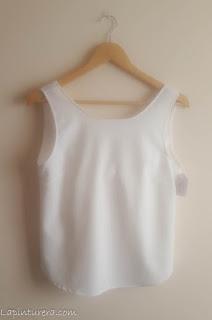 blusa blanca delante