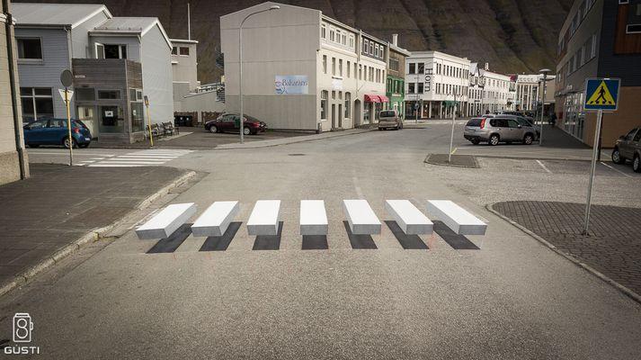 Strisce pedonali ad effetto ottico tridimensionale: il nuovo trucco funzionerà? | Sicurezza Stradale