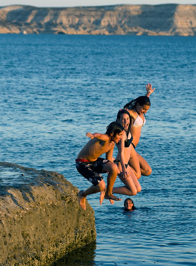Zambullidas con marea alta en la Restinga del Mareógrafo