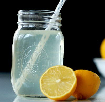 DIY Electrolyte Drink :: Natural rehydration for colds, flu, food poisoning, & physical exertion #drink #healthydrink