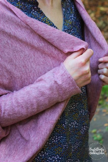 Details - Frau mit selbst genähten Cardigan Frollein Schnittmuster von mojoanma