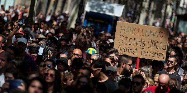 الجالية العربية في إسبانيا بين حدثين.. هجوم برشلونة يؤرّق المهاجرين