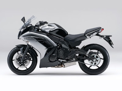 Kawasaki Ninja 400R black color side view