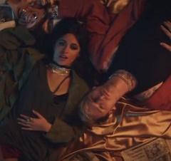 MGK e Camila Cabello lançam clipe de Bad Things
