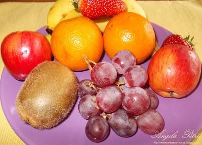 Preparare salata de fructe