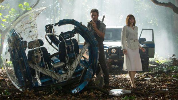 Owen Grady (Chris Pratt) et Claire Dearing (Bryce Dallas Howard) dans Jurassic World 2 : Fallen Kingdom