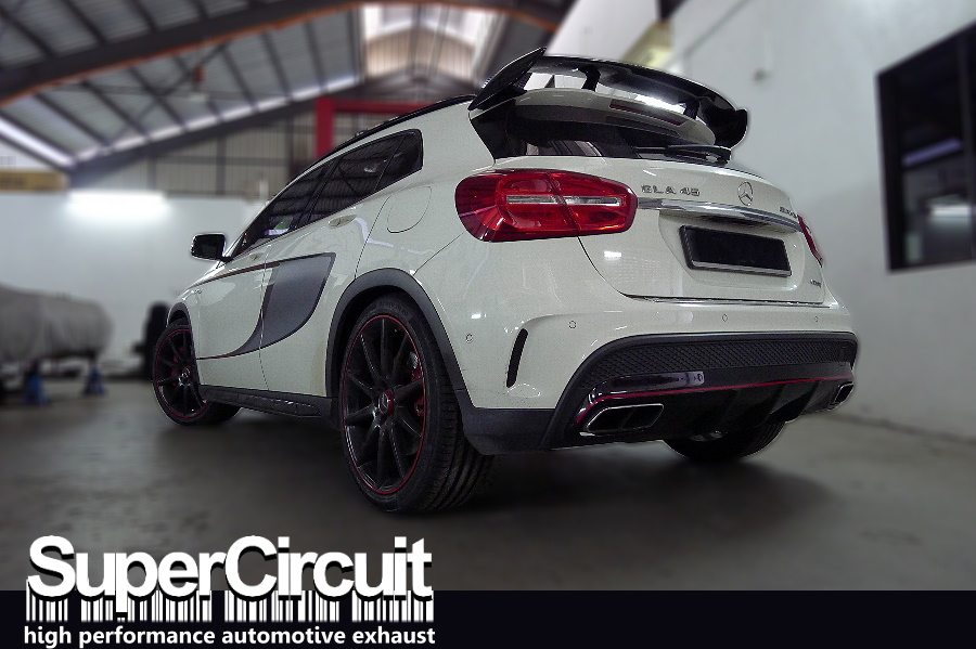 supercircuit exhaust pro shop mercedes gla 45 amg downpipe. Black Bedroom Furniture Sets. Home Design Ideas