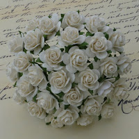 https://www.essy-floresy.pl/pl/p/Kwiatki-Open-Roses-kremowe-15-mm/983
