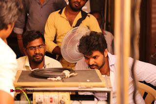 Enakku Vaaitha Adimaigal Tamil Movie Working Stills  0011.JPG