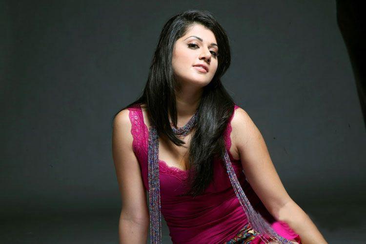 Aishwarya Rai boobs fake