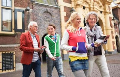 5 Tips Berlibur Bersama Orang Tua