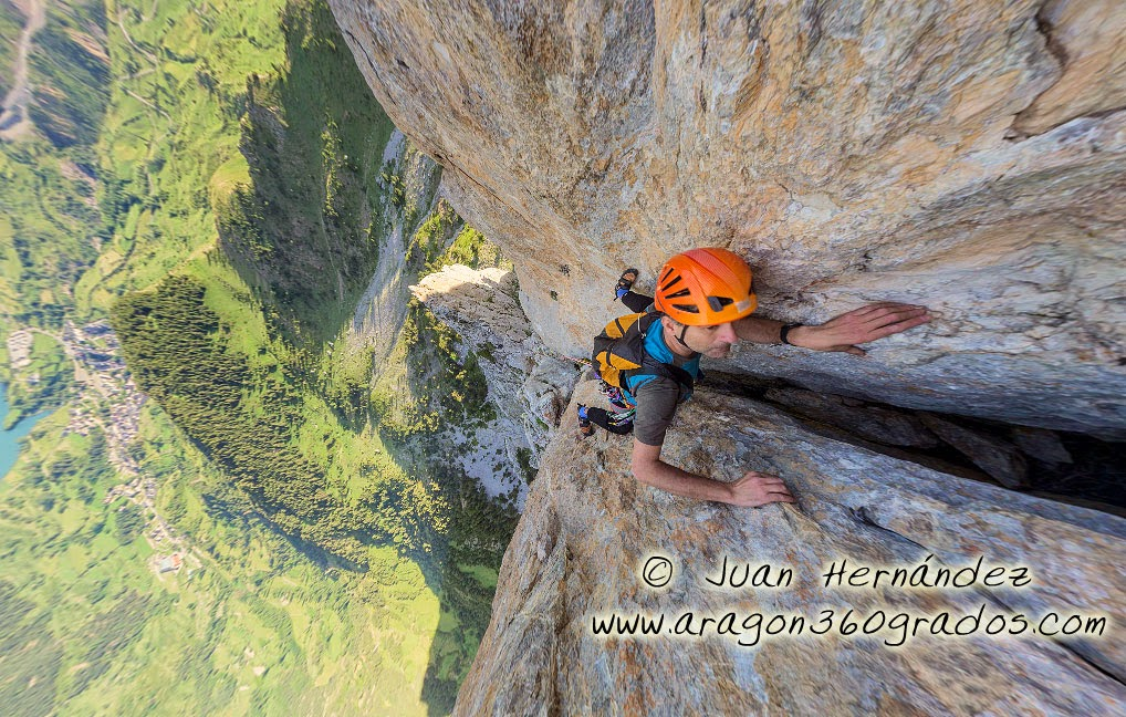http://www.360climbing.com/foraesca/foraesca.html