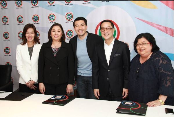 Luis Manzano renews contract with ABS-CBN