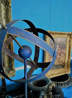 Detalle de escultura obra de Merale en el desembalaje de Arriondas
