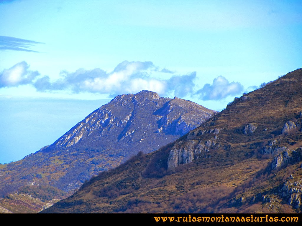 Rutas Montaña Asturias: Vista del pico Mostayal