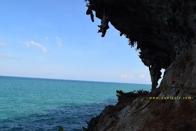 Pemandangan Indah Batu Cangga di Gili Iyang