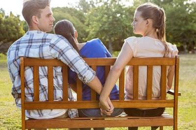 4 Tipe Teman Perusak Hubungan Asmara