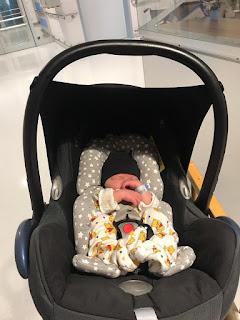 Die ersten Tage mit einem neugeborenen was ist zu beachten