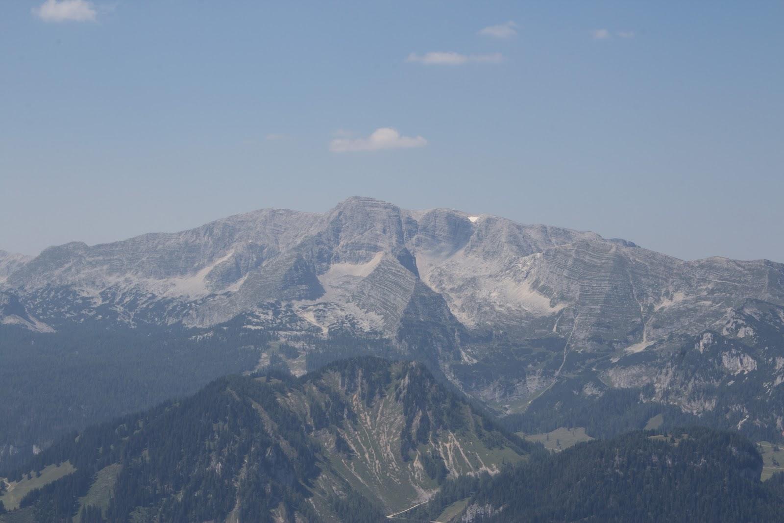 Von der Ardningeralmhütte über den Wildfrauensteig auf Frauenmauer, Bosruck und Kitzstein. - Blick auf das Tote Gebirge