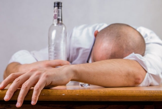 signs of alcoholism addiction drinking alcoholic behavior