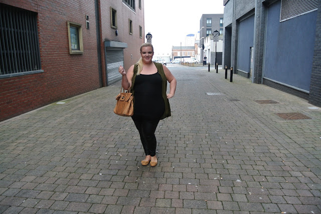 Plus Size Blogger outfit wearing Simply Be ASOS Mulberry Bayswater Soft Croc Biscuit