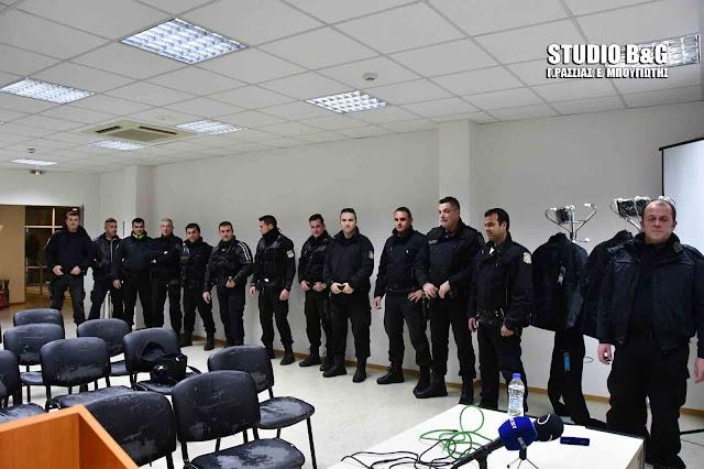 16 στολές μοτοσικλετιστών της αστυνομίας δώρησε η ALPHA BANK στην Αστυνομική Διεύθυνση Αργολίδας (βίντεο)