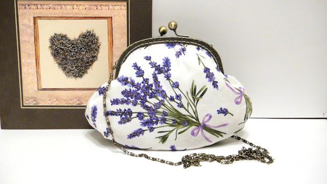 Лавандовая сумочка - подарок девушке Маленькая сумка с цветами: натуральный лен, натуральный хлопок, цепочка 120 см