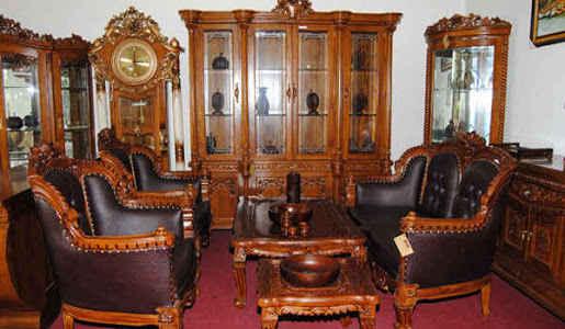 Furniture ukiran khas Jepara