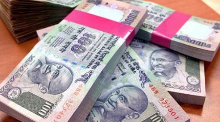 100 के नोटों की छपाई बंद, बाजार में किल्ल्त
